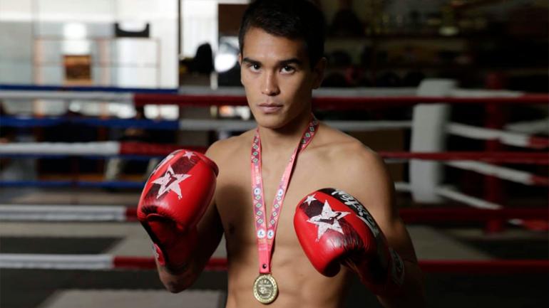 Nicolás Young ganó el oro en el Mundial de Muay Thai
